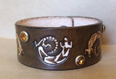 bracelet marron foncé antique rivets ambre 3