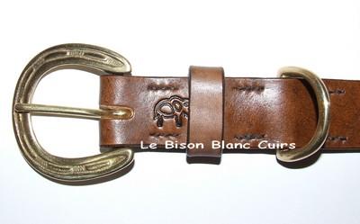 Collier pour gros chien taille 70 cm bouclerie laiton fer à chval personnalisé avec prénom et motif détail boucle
