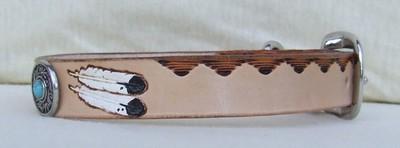 collier bicolore plumes avec conchos et rivet turquoise de côté