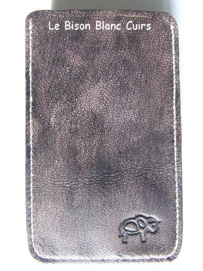 Housse pour téléphone portable GSM Xperia Ray en cuir pleine fleur de chèvre teinté à la main et personnalisé cuir veritable de chèvre verso vide