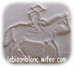 motif martelé cavalier cowboy cheval sur cuir naturel pour personnaliser objets en cuir porte-clés ceintures colliers protège documents cahiers porte cartes