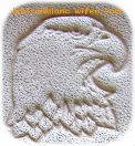 motif de tête d`aigle estapée en relief sur cuir naturel tannage naturel pour customisation porte monnaie carte agenda cahier livre